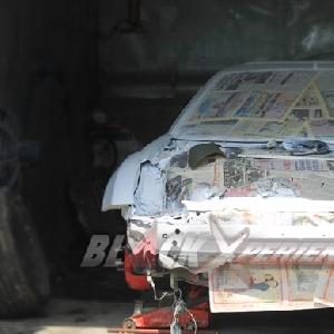 Toyota Celica disiapkan menuju pengecatan