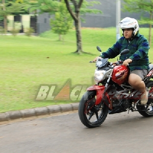 Test ride Honda CS One modified into street figther