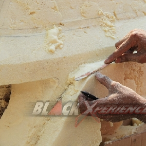 Bumper berasal dari polyurethane harus dibentuk sesuai desain
