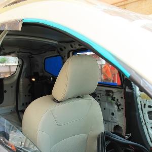 Interior Renault Duster sedang dibongkar