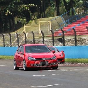 Track day di Sirkuit Internasional Sentul, menyalip Ferrari