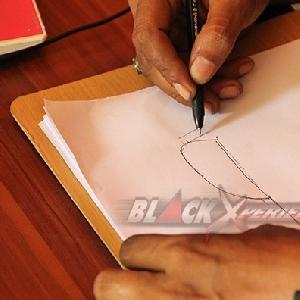 Mengandalkan kreativitas dan kemahiran tangan dalam menggambar konsep motor yang akan digarap