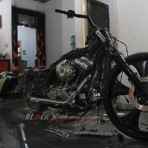 Kondisi Harley-Davidson Road King Cafe Bagger pasca perakitan kaki-kaki