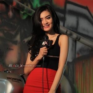 Putri Lanna berpose seusai syuting host berlangsung