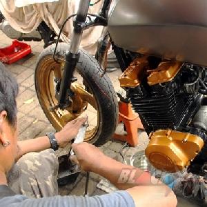Mempersiapkan pemasangan air cooler