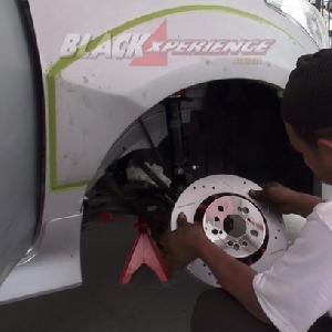 Memasang disc brake
