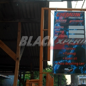 Plang bengkel Chemonk Modified di jalan Assirot, Kebayoran Lama