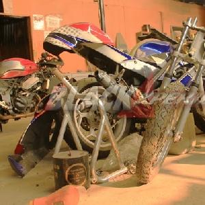 Motor-motor gede dalam tahap modifikasi