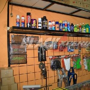 Jajaran produk yang ada di area store Chemonk Modified