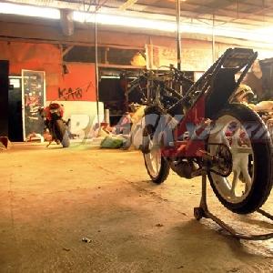Kawasaki Ninja RR150 yang siap diubah jadi motor balap