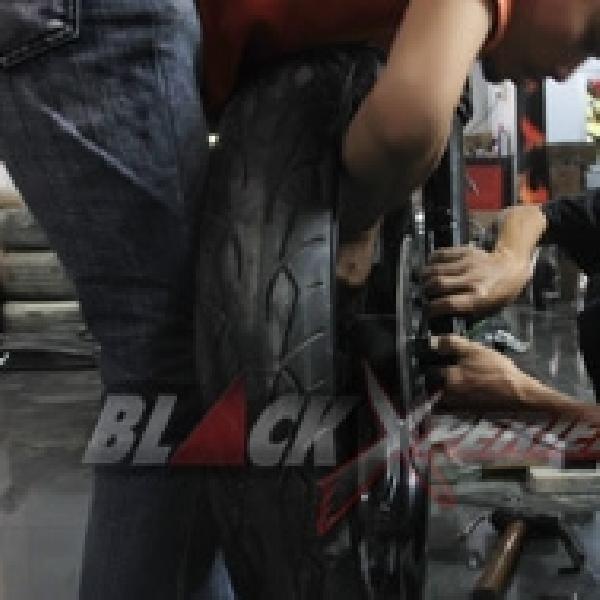 Teja Imagineering Custom Merakit Kaki-kaki Harley-Davidson Cafe Bagger