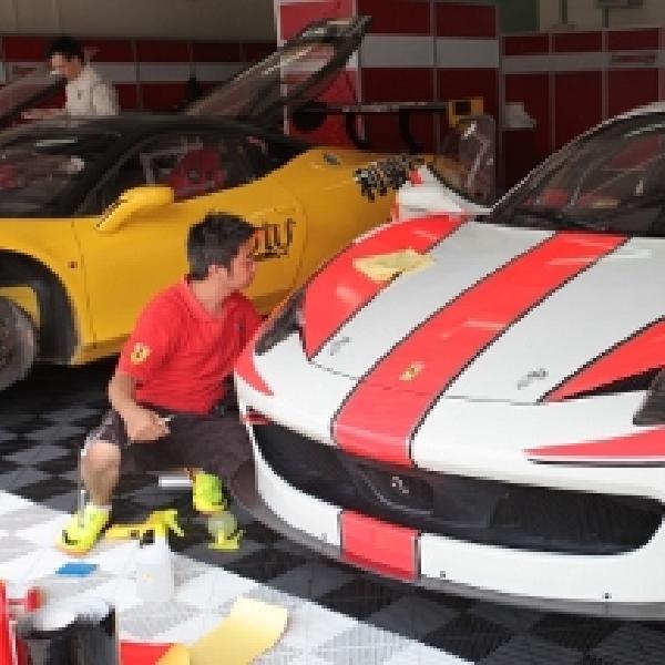 Tomi Airbrush Garap Desain Eksterior Mobil Balap Ferrari Indonesia