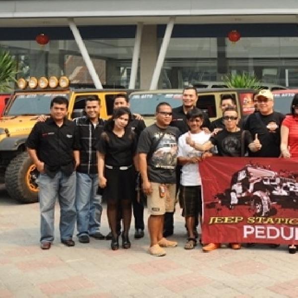 Jeep Station Indonesia Adakan Bakti Sosial ke Sinabung