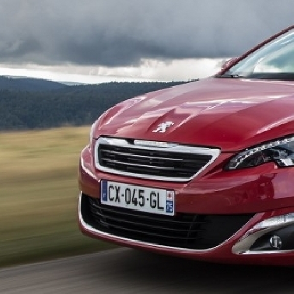 New Peugeot 308 Dinobatkan Sebagai European Car of the Year