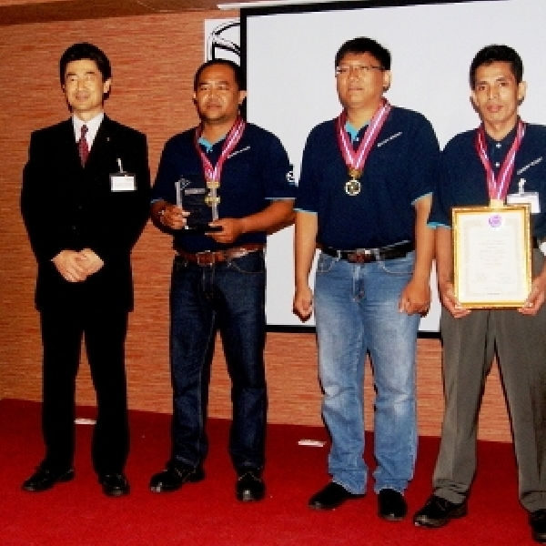 Tim Mazda Indonesia Juara Pertama Mazda Technicians ASEAN 2014