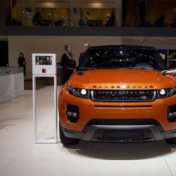 Range Rover Evoque Autobiography Dynamic Meluncur di Jenewa