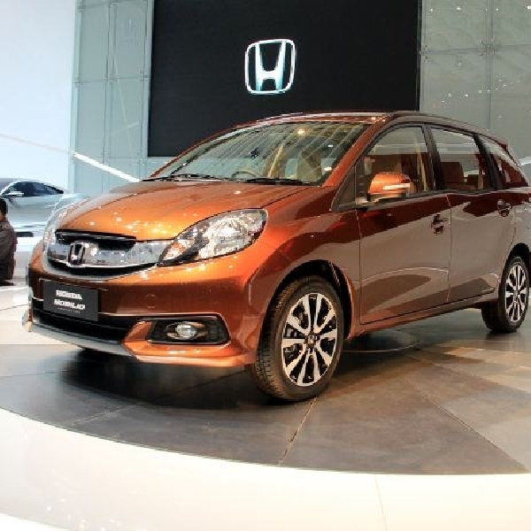 Honda Mobilio Car of The Year 2014