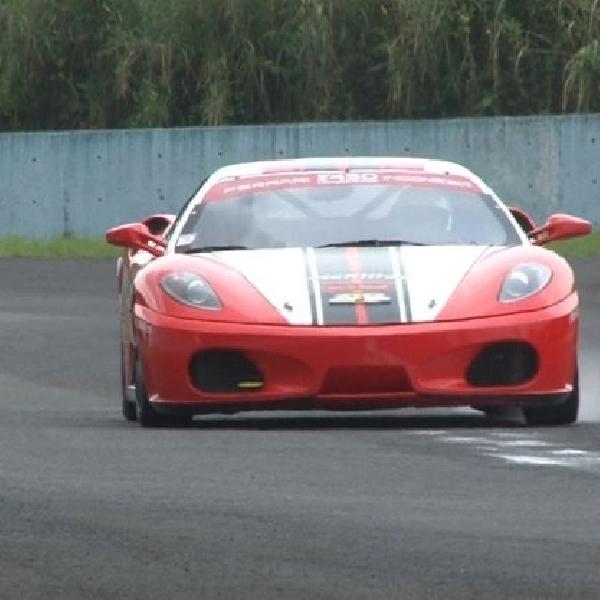 Pembalap Achilles menang di seri 2 Ferrari F430 Competizione Indonesia