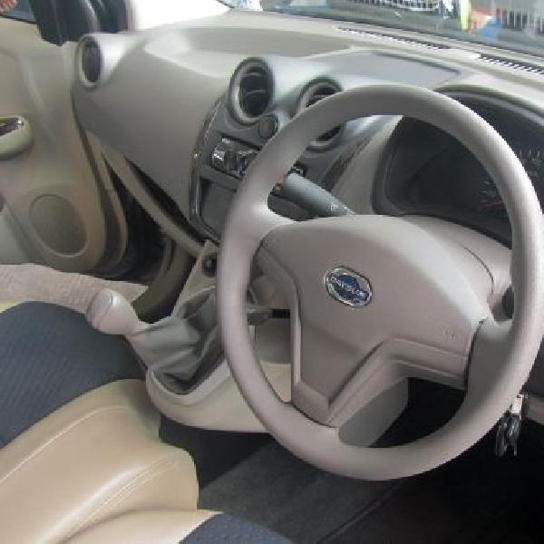 Datsun GO+ Panca tanpa transmisi otomatis dan fitur keselamatan