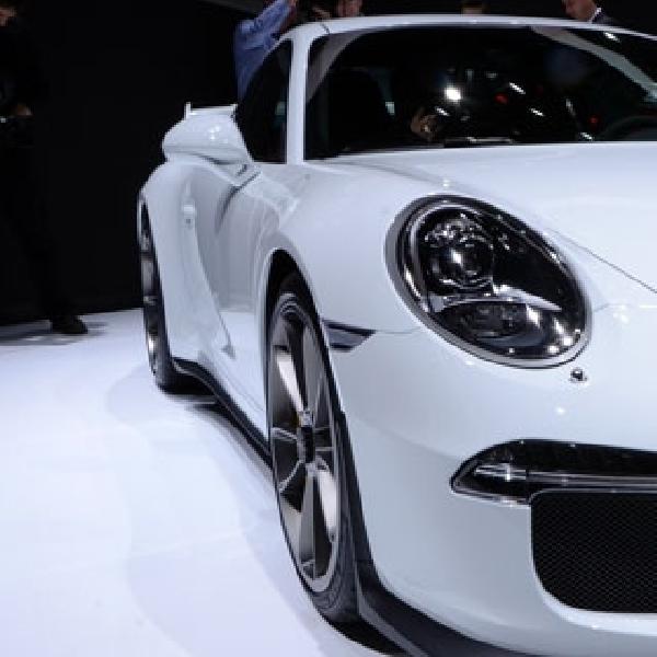 Porsche 911 GT3 sabet penghargaan World Performance Car Award 2014