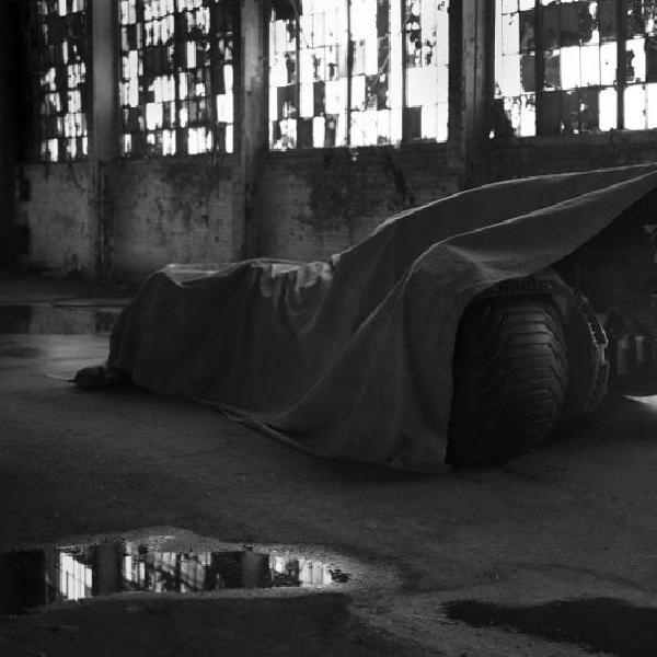 Sosok Batmobile baru 'mengintip'
