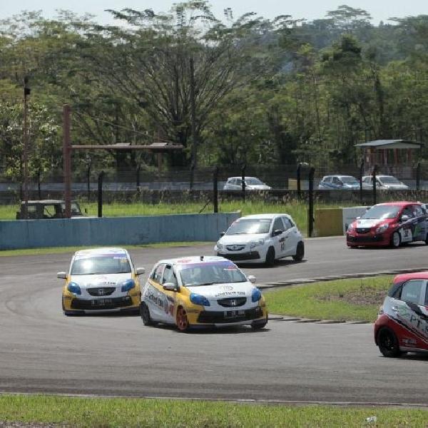 Romy Tahrizi masih terdepan di ajang Honda Brio Speed Challenge