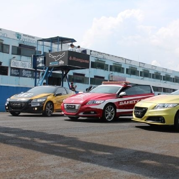 Honda CR-Z jadi Official Car di Ajang FIM Asia Road Racing Championship 2014