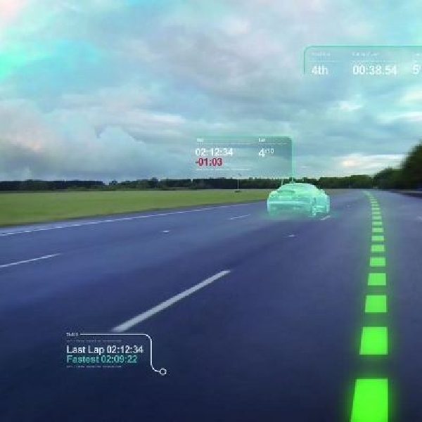 Jaguar pamer teknologi baru Virtual Windscreen