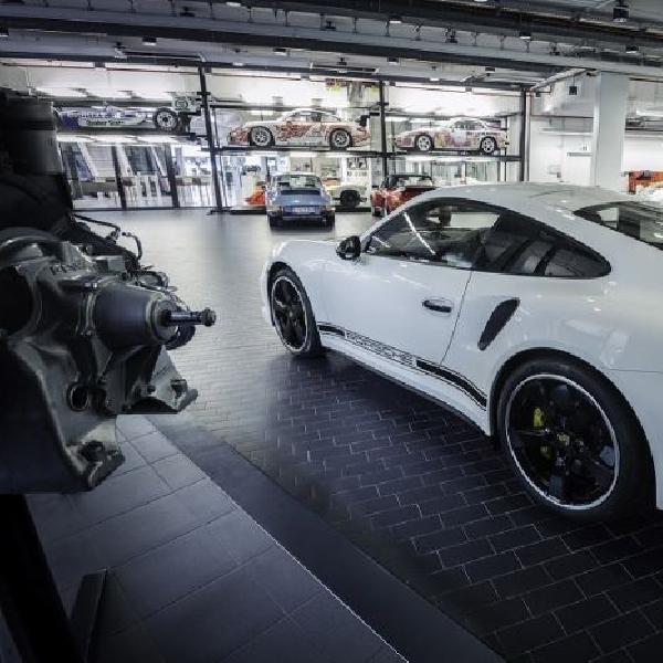Rayakan hari jadi ke-40, Porsche Inggris rilis 40 unit edisi spesial