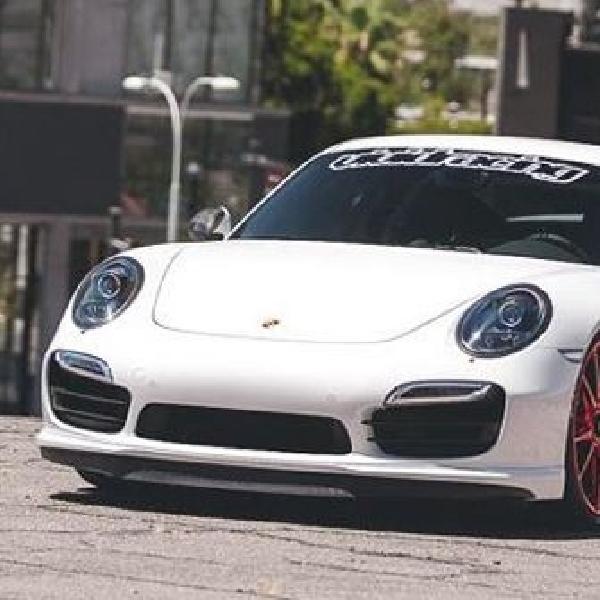 Asup velg berkelir merah, Porsche 911 Turbo ini makin gaya