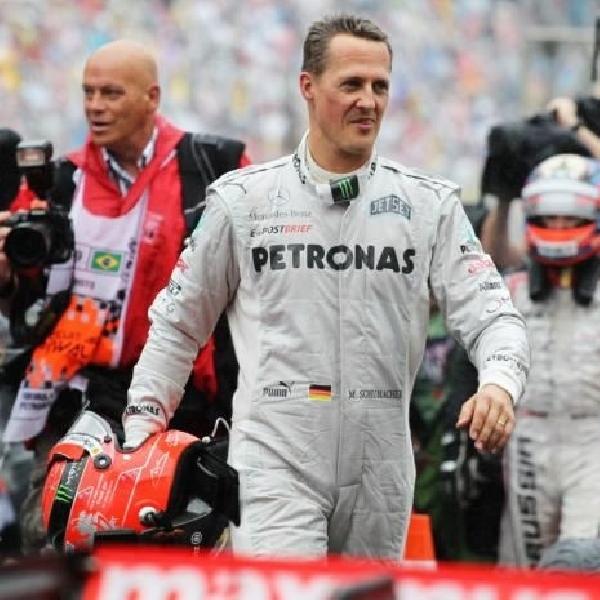 Michael Schumacher masih pebalap Mercedes