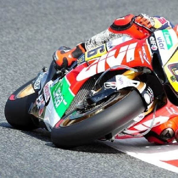 Bradl resmi milik NGM Forward Racing
