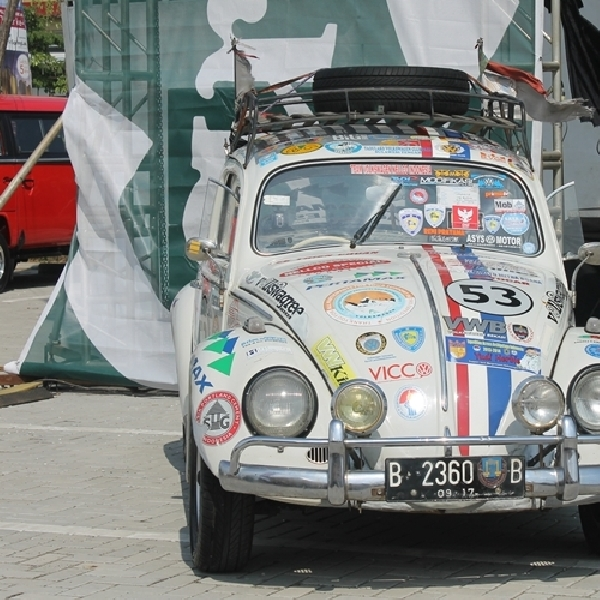 Yudi Herbie Berhasil Keliling Indonesia dengan Volkswagen Bettle Klasik 1961