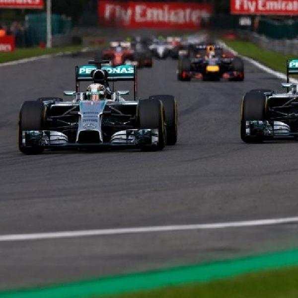 Hamilton: Rosberg bilang sengaja tabrak saya