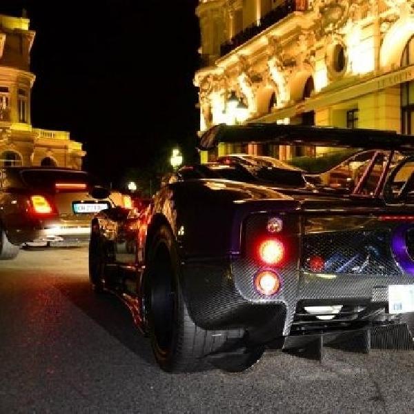 Ketika Hamilton bergaya kendarai Pagani Zonda 760 LH di Monaco