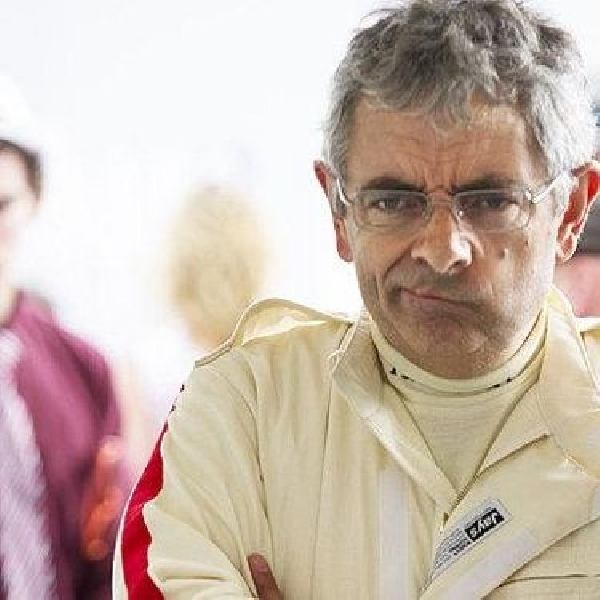 Rowan Atkinson alami insiden di Goodwood Revival 2014