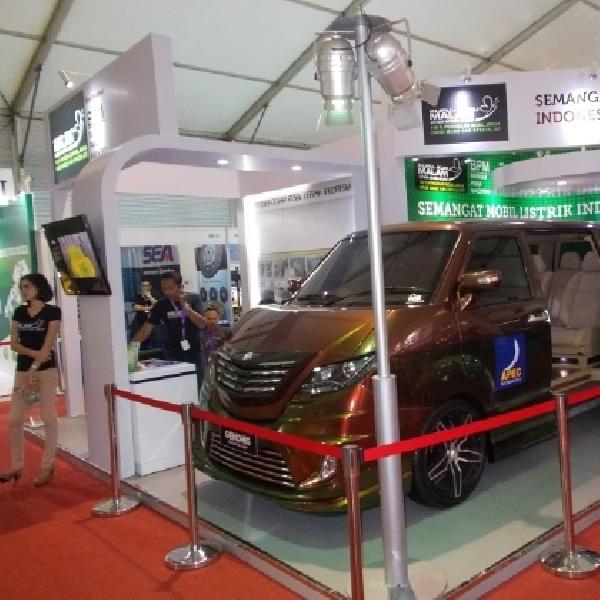 Kupu-Kupu Malam pajang mobil listrik di IIMS 2014