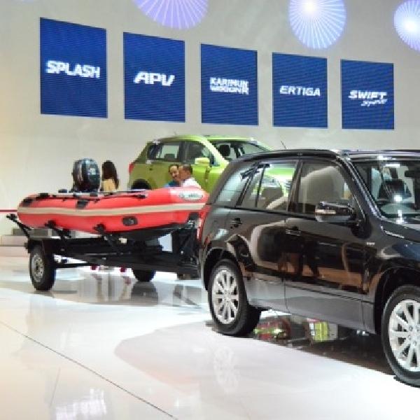 Suzuki Pamer Rubber Boat dan Grand Vitara
