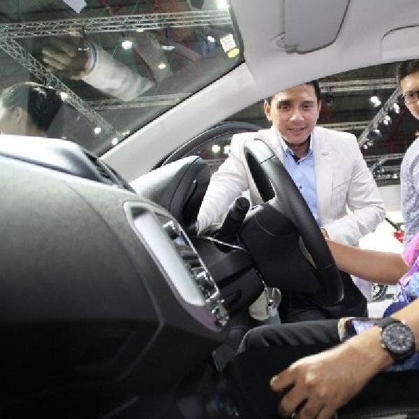 Chevrolet sambut Menteri Pemuda dan Olahraga di IIMS 2014