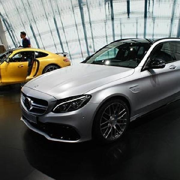 Mercedes luncurkan keluarga baru C63 AMG di Paris Motor Show