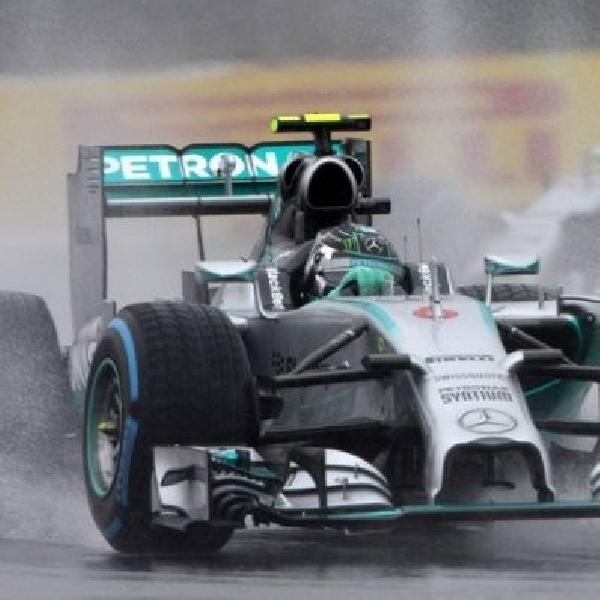 Bendera merah dikibarkan, Hamilton diputuskan juara GP Suzuka