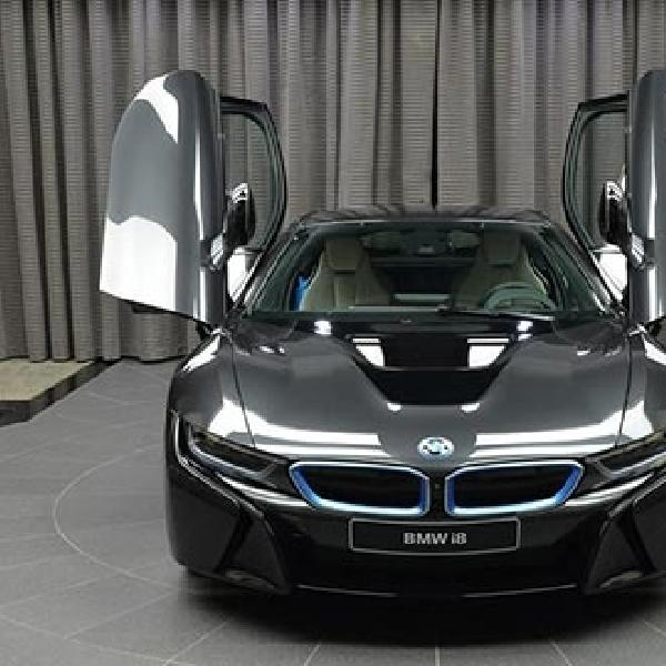 BMW Abu Dhabi Melego BMW i8 Dalam Empat varian Warna
