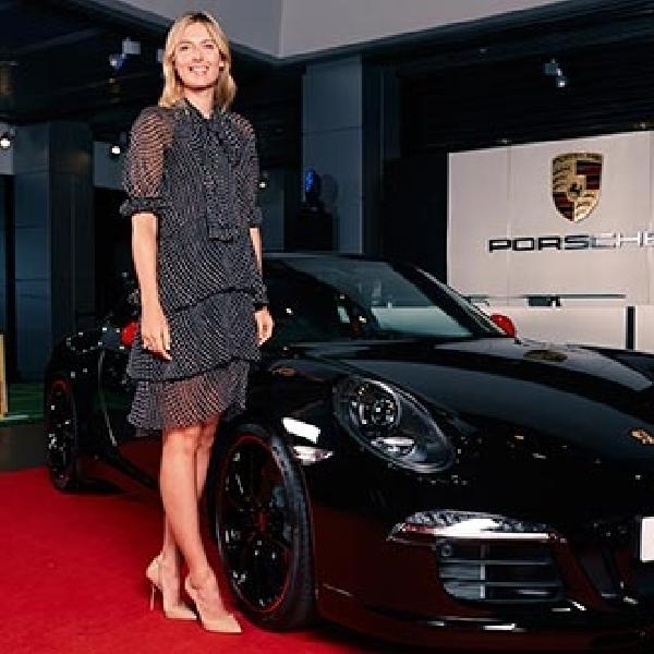 Maria Sharapova Bertandang ke Porsche Centre Singapura