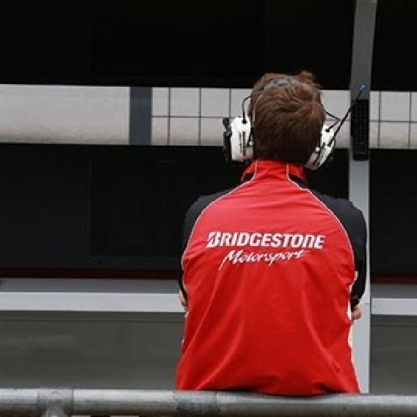Pembelaan Bridgestone Mengenai Ban Depan Asimetris