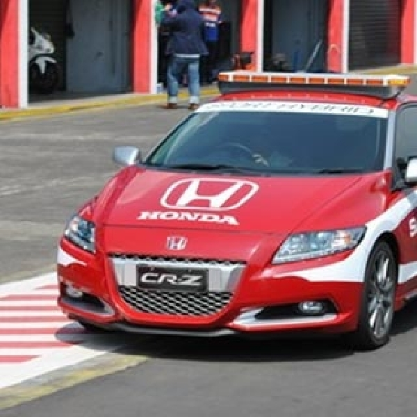 Honda CR-Z Tampil Sebagai Official Car Indospeed Race Series (IRS) 2014 di Sentul