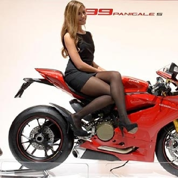 Ducati 1299 Panigale Tersedia Untuk Jalan Raya Dan Balapan