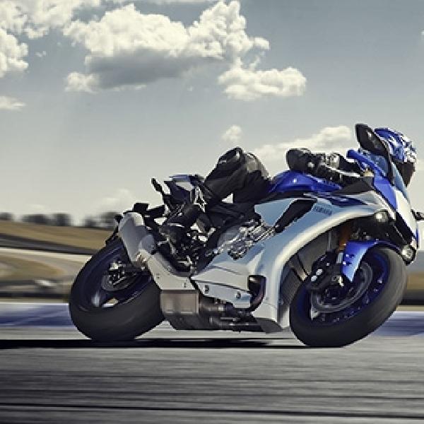 Ini Pendapat Valentino Rossi Tentang Yamaha YZF-R1 2015