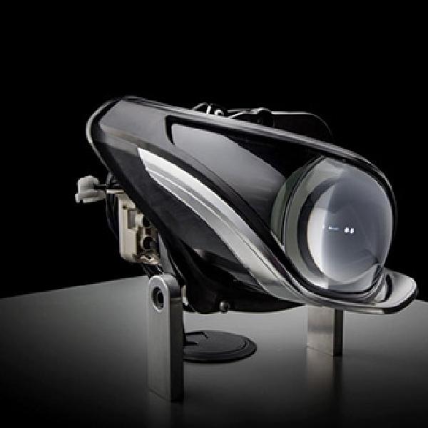 Mercedes Kembangkan Teknologi Lampu LED