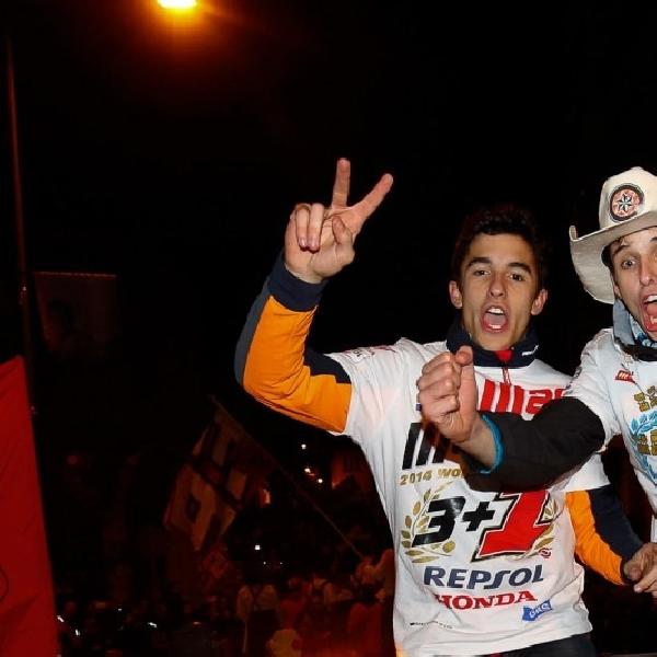 Duo Marquez Melebur Bersama Fans Rayakan Kemenangan