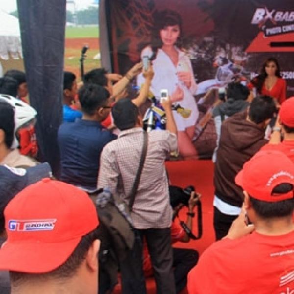 Foto Kontes BX Babe On Rides Kembali Sedot Pengunjung Tangsel Autofest 2014